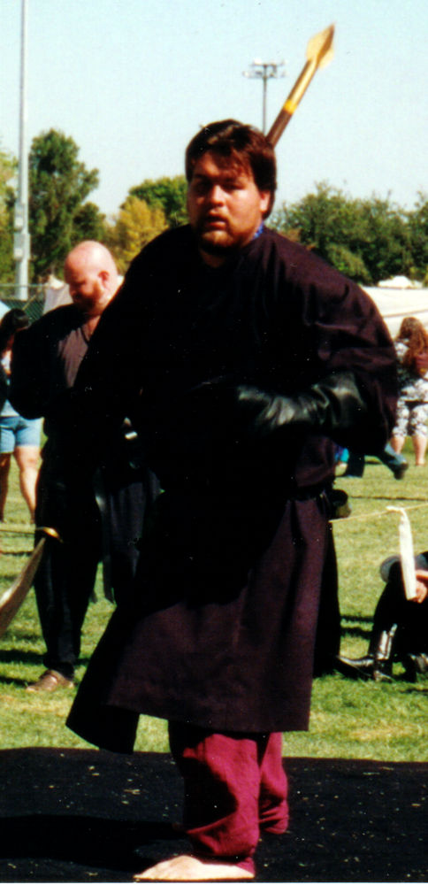 renaissance-faire-bear-02