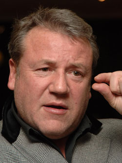 Ray Winstone - just a little bit