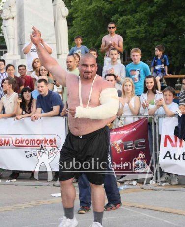 Ervin Katona shirtless 04