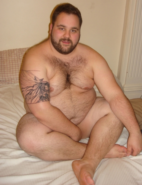 Nude chubby bear. SANTA MARIA, MADRE DE DIOS!