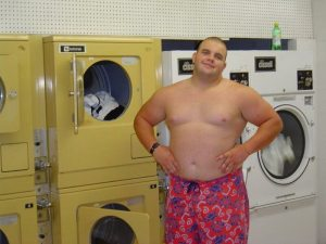 Shirtless musclecub